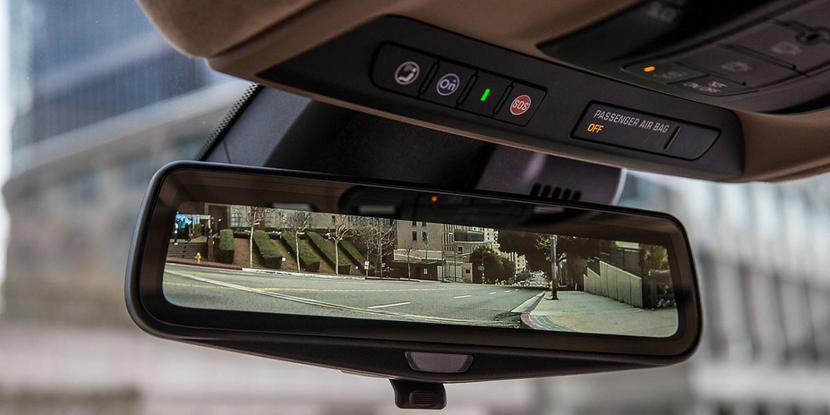 Espejo retrovisor con cámara del Cadillac CT6.
