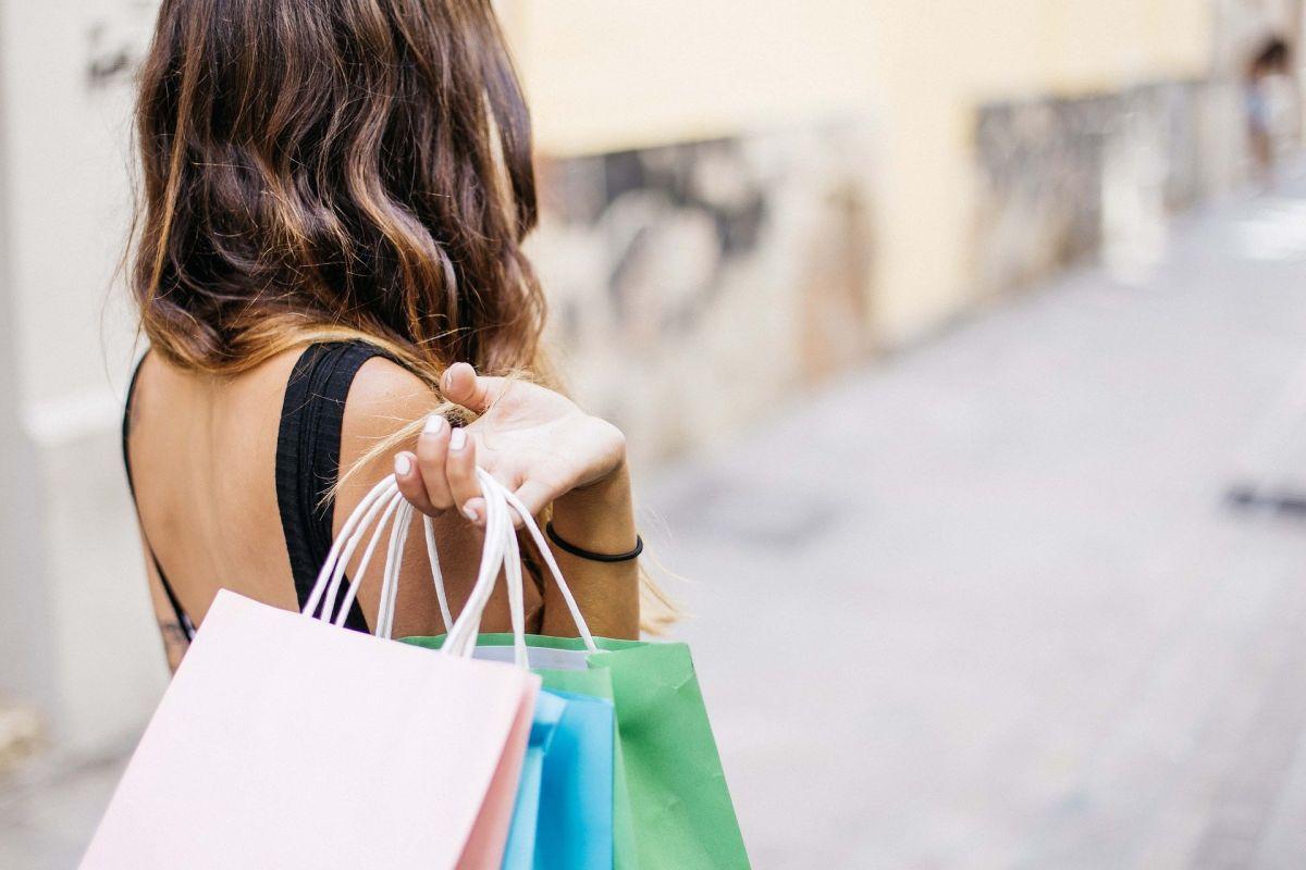 Qué son las compras misteriosas: la guía completa para lograr que te paguen al comprar