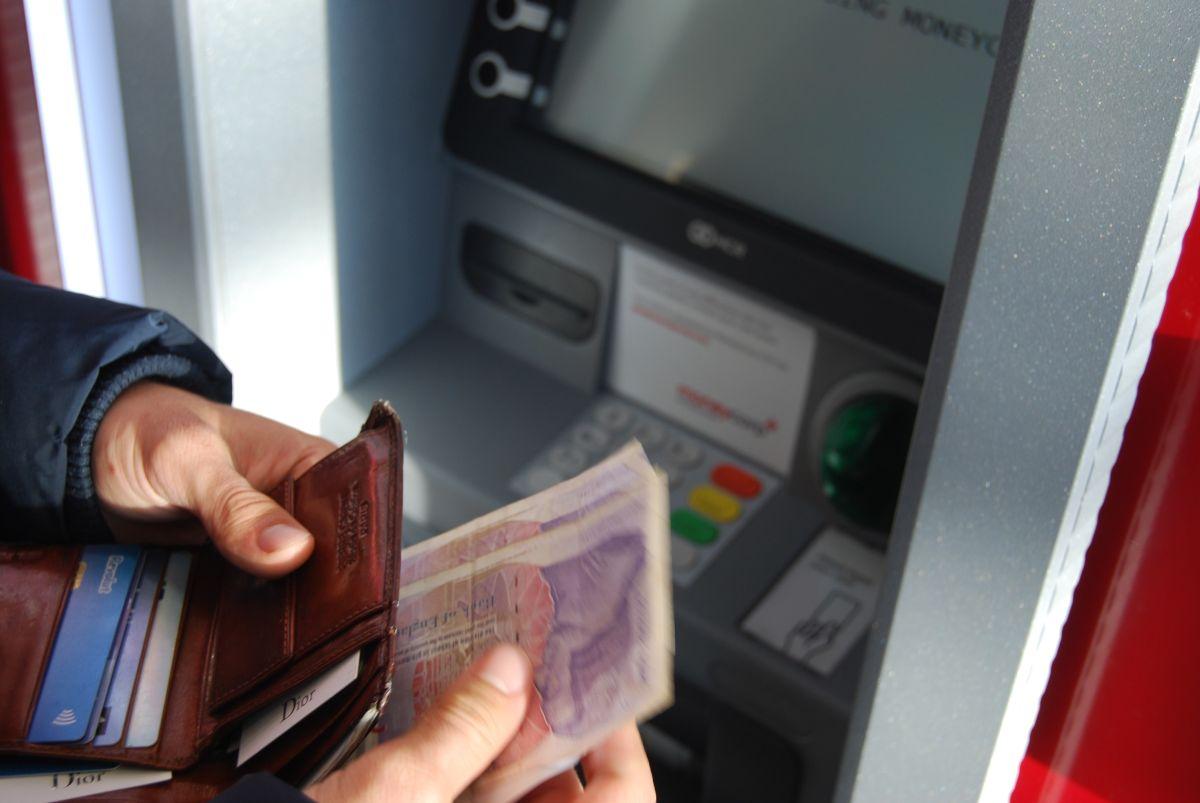 Abrir una cuenta de ahorro o corriente no afecta tu puntaje de crédito, pero puede ser un problema en otro sentido
