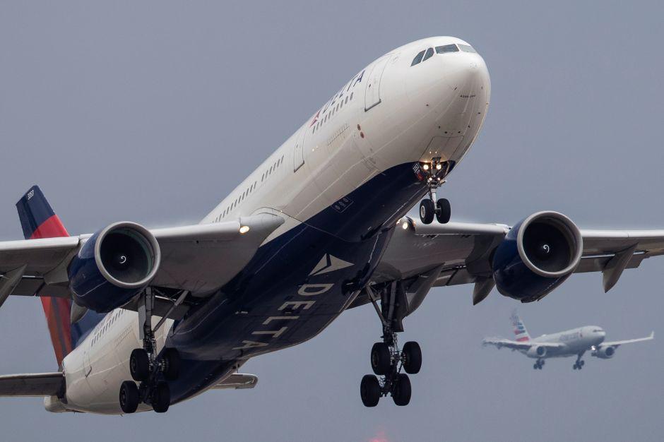 Delta usará fondos de su programa de viajero frecuente para reforzar su liquidez