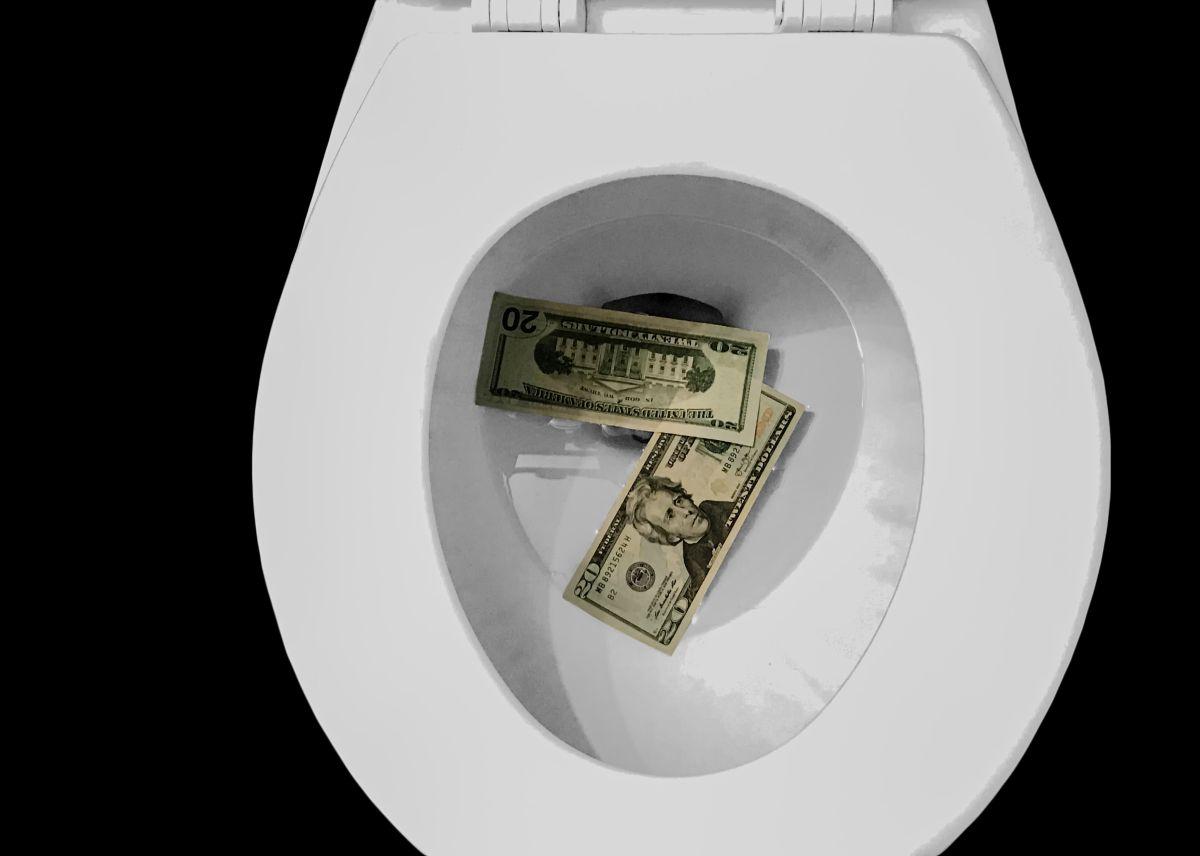 Los 5 peores hábitos financieros que sangran tu cartera y que podrías evitar