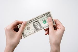 A cuánto se cotiza el dólar en México hoy jueves