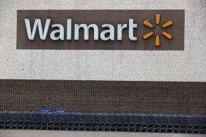Walmart probará nueva estrategia de comercio electrónico al tiempo que las ventas en línea se disparan