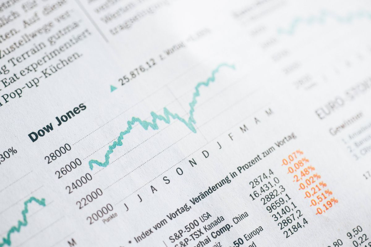 El mundo de las inversiones es emocionante y te puede dar dinero, pero debes tener un plan claro para no padecerlo.