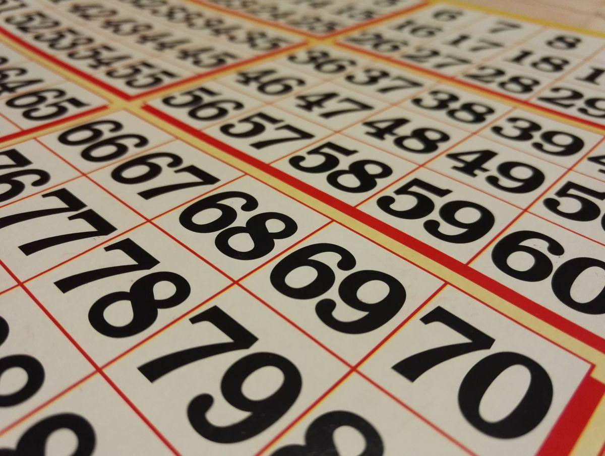 El que no arriesga, no gana: ¿podrías obtener dinero toda tu vida sólo de participar en sorteos?
