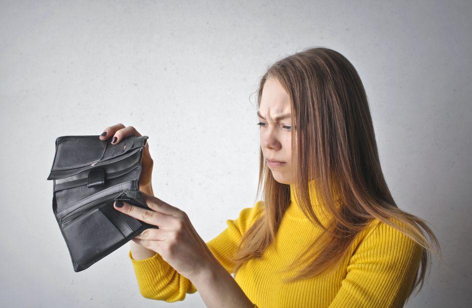 10 errores al gastar tu dinero que pueden llevarte a la bancarrota