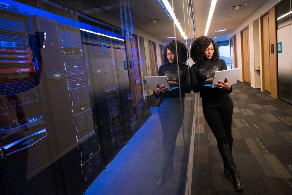 ¿Problema de inclusión? Por qué las mujeres en el mundo de la tecnología dejan sus empleos a los 35