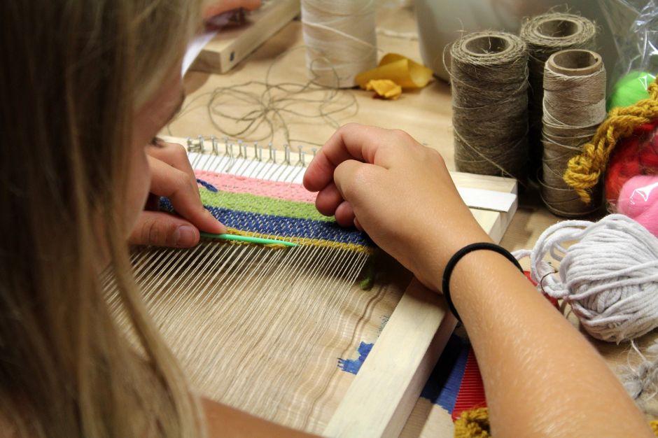 Conoce a la empresaria mexicana que puso de moda los cubrebocas artesanales