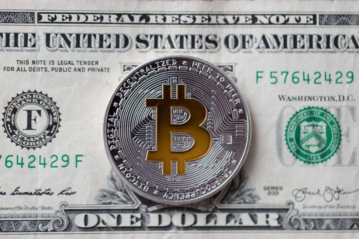 EL gobierno de Biden estaría próximo a anunciar regulaciones para el mercado de criptomonedas.