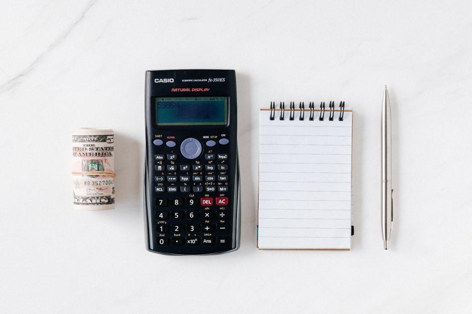 La forma en que el IRS calcula tu cheque de estímulo y saber porqué obtienes más o menos de $1,200 dólares