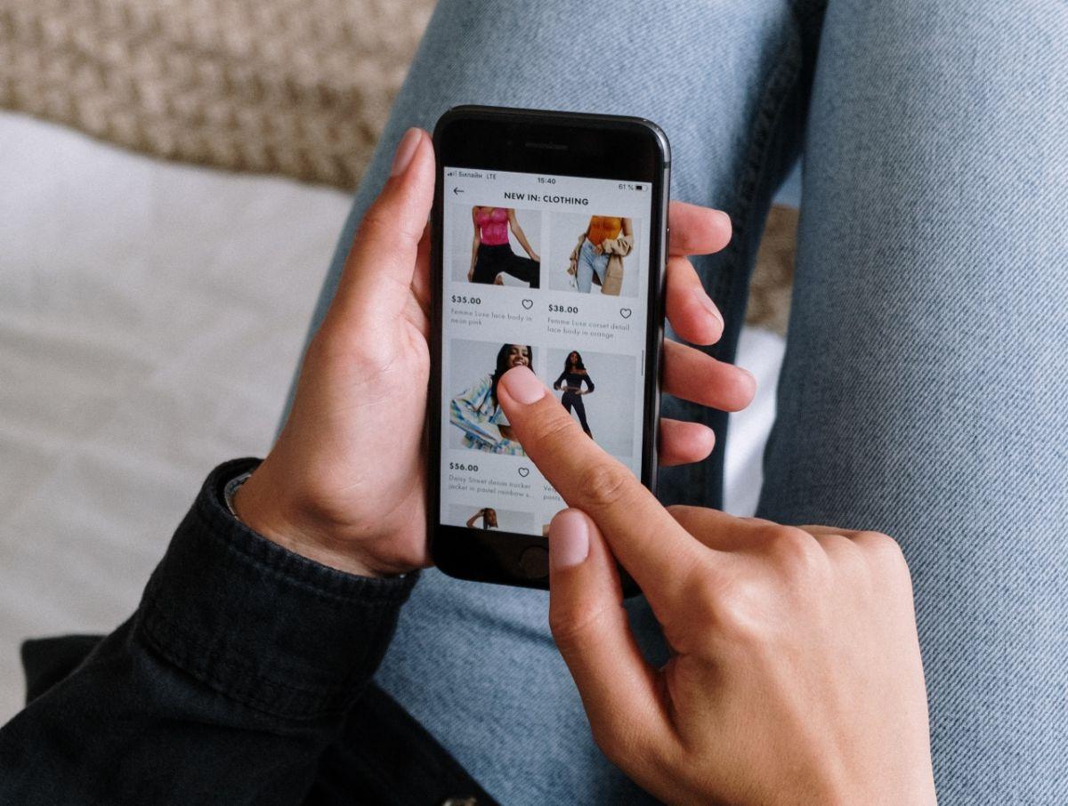 """Más peligrosa que una tarjeta de crédito: la creciente tendencia online del """"compre ahora, pague después"""""""