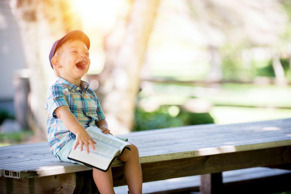 Nuevo estudio confirma que la felicidad no la da tener más o menos dinero, sino administrar bien lo que se tiene