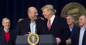 Necesario paquete de ayuda de $1 trillón de dólares para salvar la economía, dice ex asesor de Trump