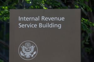 El IRS tiene buenas noticias para aquellos que no han recibido su primer cheque de estímulo