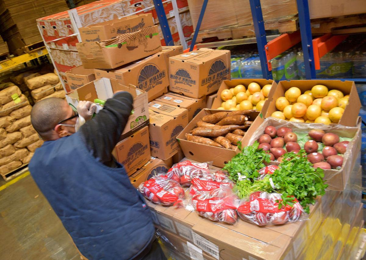 Los bancos de alimentos han tenido una labor incesante desde el inicio de la pandemia.
