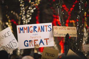 La complicada relación del Seguro Social con la población inmigrante en Estados Unidos: quiénes califican para sus beneficios y por qué