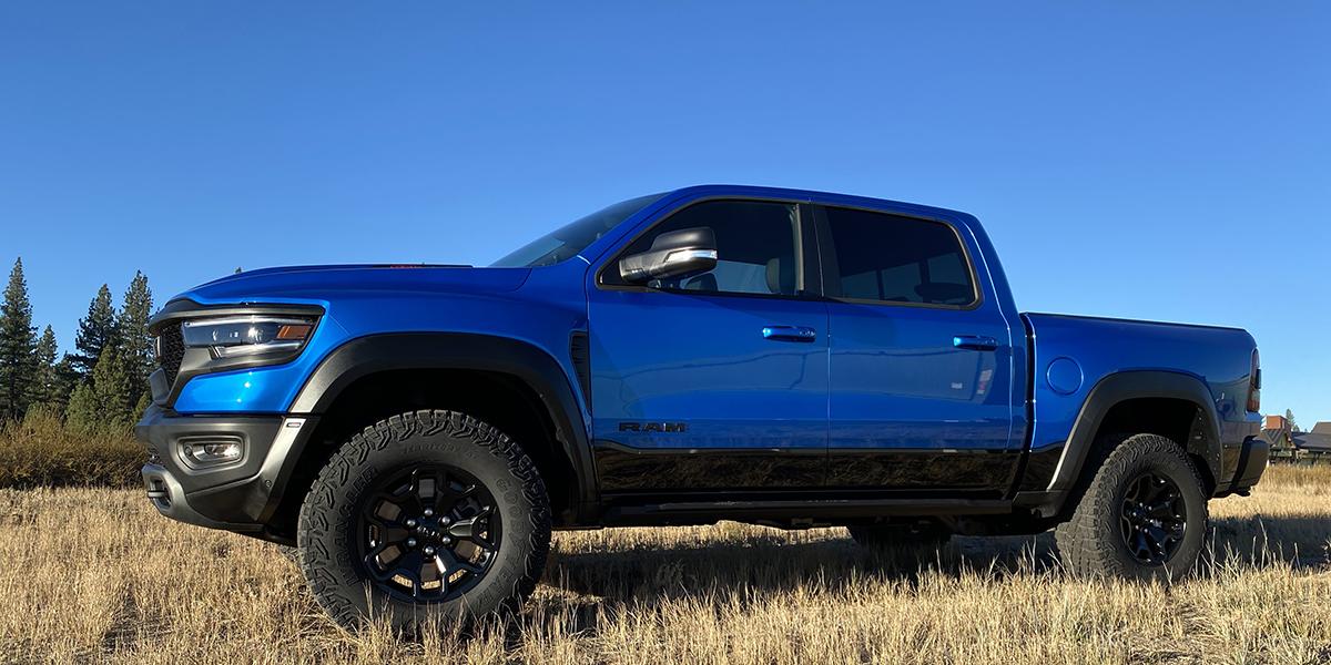 ¿Quién necesita una camioneta pickup de $100,000 y 702 caballos de fuerza?