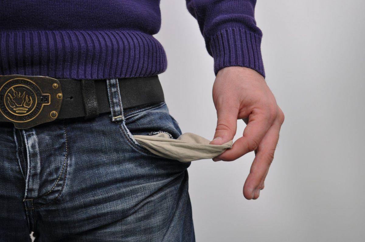 """Por qué el cheque estímulo sería """"lo menos importante"""" de un próximo paquete de ayuda gubernamental, según un economista"""