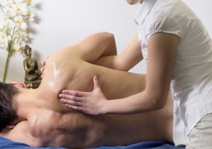 Cómo convertirte en masajista certificado en Estados Unidos y cuánto se cobra