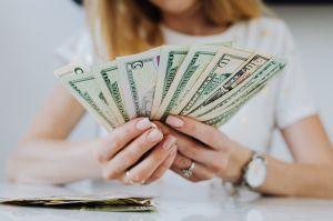 Salario mínimo de 15 dólares: ¿cuán posible es que se apruebe este año?