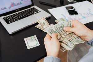 Cómo puedo probar mis ingresos si siempre me pagan en efectivo por mi trabajo