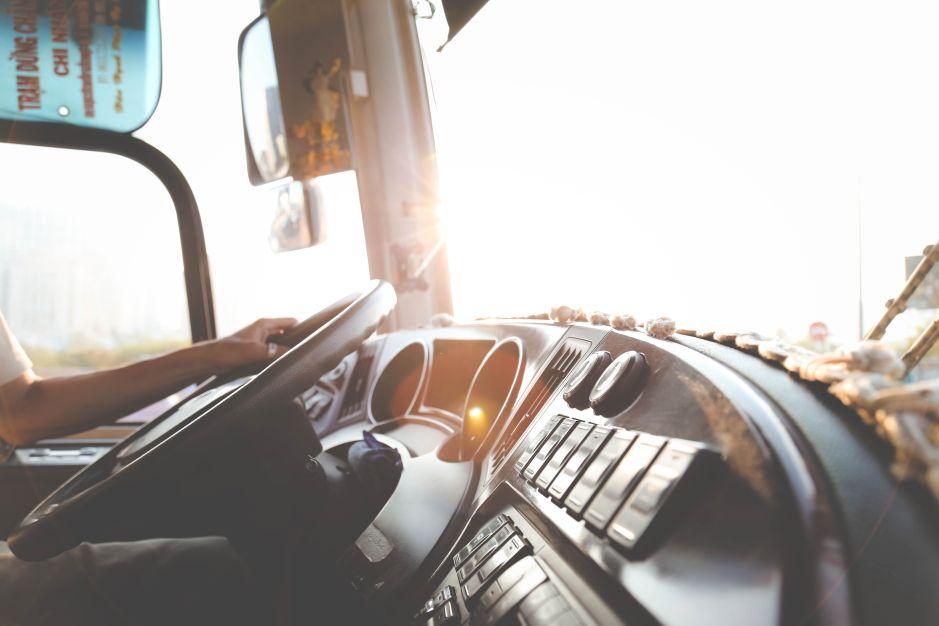 Qué necesitas saber antes de convertirte en conductor de camión