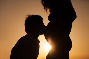Si en lo que queda del año tendrás un nuevo bebé, puedes beneficiarte con los $500 dólares de Ley Cares: cómo obtener el dinero