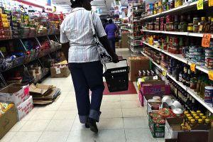 10 alimentos que vale la pena comprar en las tiendas de a dólar