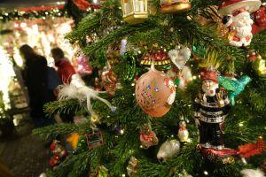 10 árboles de Navidad que se pueden comprar por menos de $100 dólares