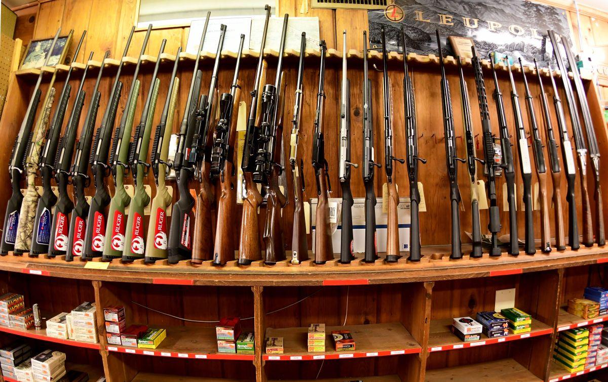Las ventas de armas aumentan en vísperas de las elecciones presidenciales en Estados Unidos