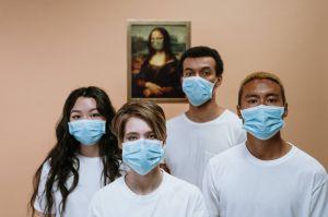 Por qué mientras más joven seas, es posible que pierdas tu seguro médico durante la pandemia