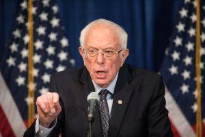Así aprobarán los demócratas el tercer cheque de estímulo, de acuerdo con Bernie Sanders