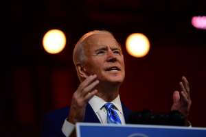 Biden ya contempla una orden ejecutiva para sacar adelante un paquete de ayuda económica