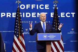 Qué necesita Joe Biden para avalar un cheque de $1,200 dólares para inmigrantes indocumentados