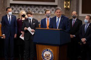 Senadores bipartidistas propondrán paquete de ayuda de $908 billones de dólares, sin cheque estímulo