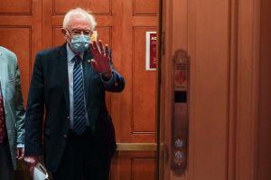 Bernie Sanders no se rinde: continúa la puja por el segundo cheque de estímulo de $2,000 y le contesta a McConnell en Twitter