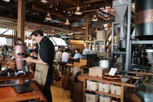 Por qué deberías considerar trabajar en Starbucks