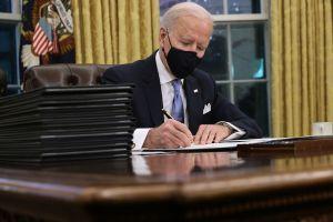 ¿Cómo pueden impactar en tu bolsillo las primeras órdenes ejecutivas de Biden?