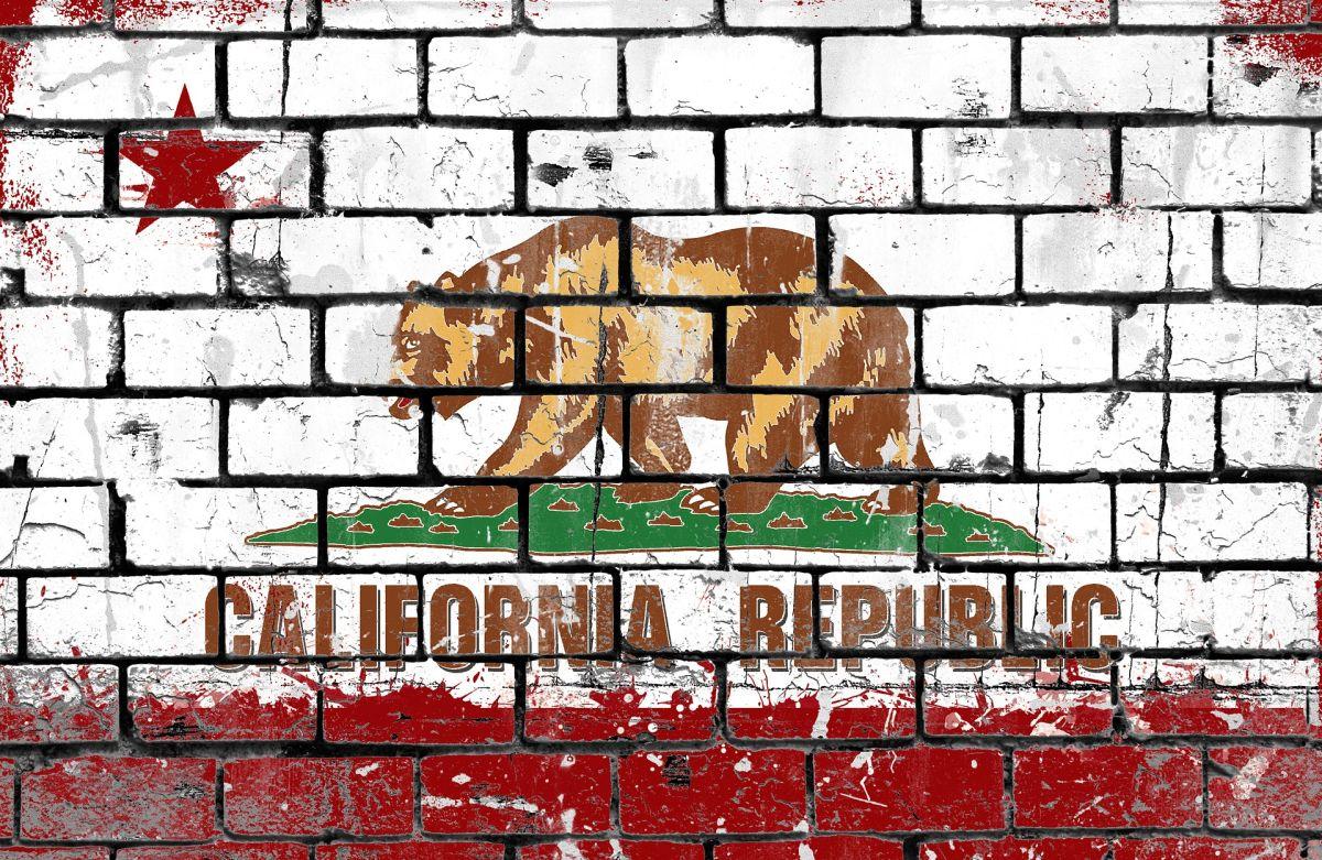 El estado de California es uno de los primeros estados en entregar el bonus extra de $300 dólares del beneficio de desempleo.