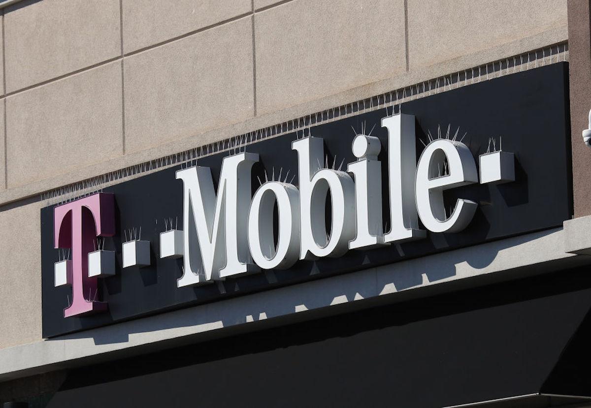 Por qué el servicio de teléfono celular es tan caro en Estados Unidos