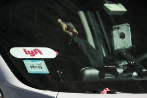 """""""Priority mode"""", el polémico programa que agrega viajes y recorta las ganancias a los conductores de Lyft"""