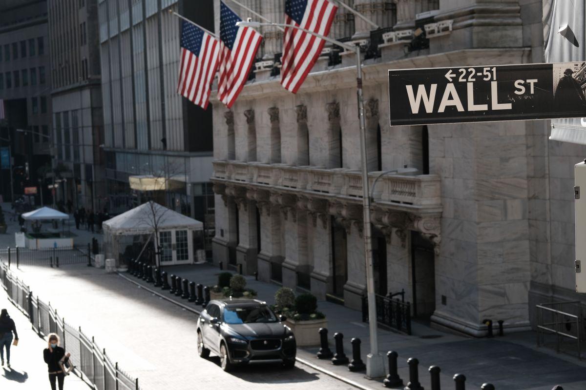 ¿Cómo tomó Wall Street el anuncio del paquete económico de Biden y por qué eso es importante?