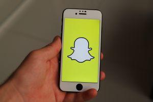 Cómo ganar dinero con Snapchat ahora que busca competirle a TikTok