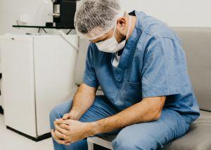Ultimátum a trabajadores de un hospital en Texas: o se vacunan o serán despedidos