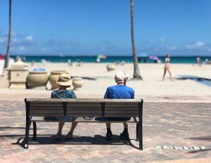 ¿Cuánto le destinan los estadounidenses a sus ahorros para la jubilación, según datos de 2020?