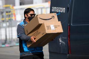 En qué consiste la polémica medida de Amazon para monitorear por video a sus conductores de repartos
