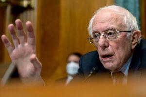 """Los progresistas preparan """"Plan B"""" para mantener aumento al salario mínimo dentro del paquete de estímulo del presidente"""