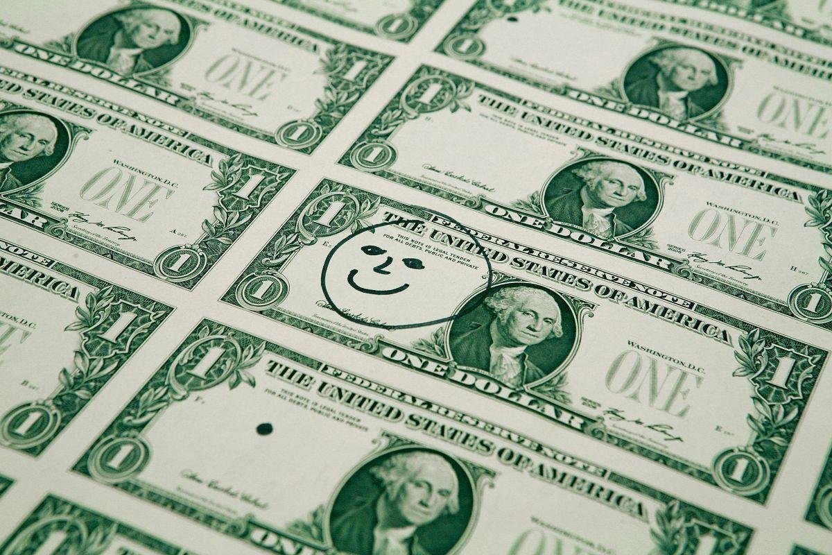 El dólar muestra tendencia al alza ante el peso mexicano.