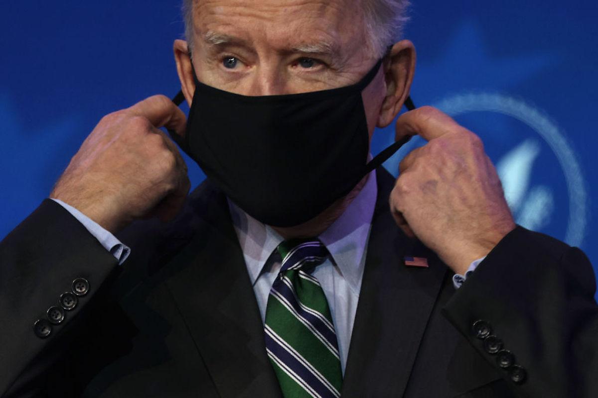 El gobierno de Estados Unidos dispondrá mascarillas gratis para comunidades vulnerables