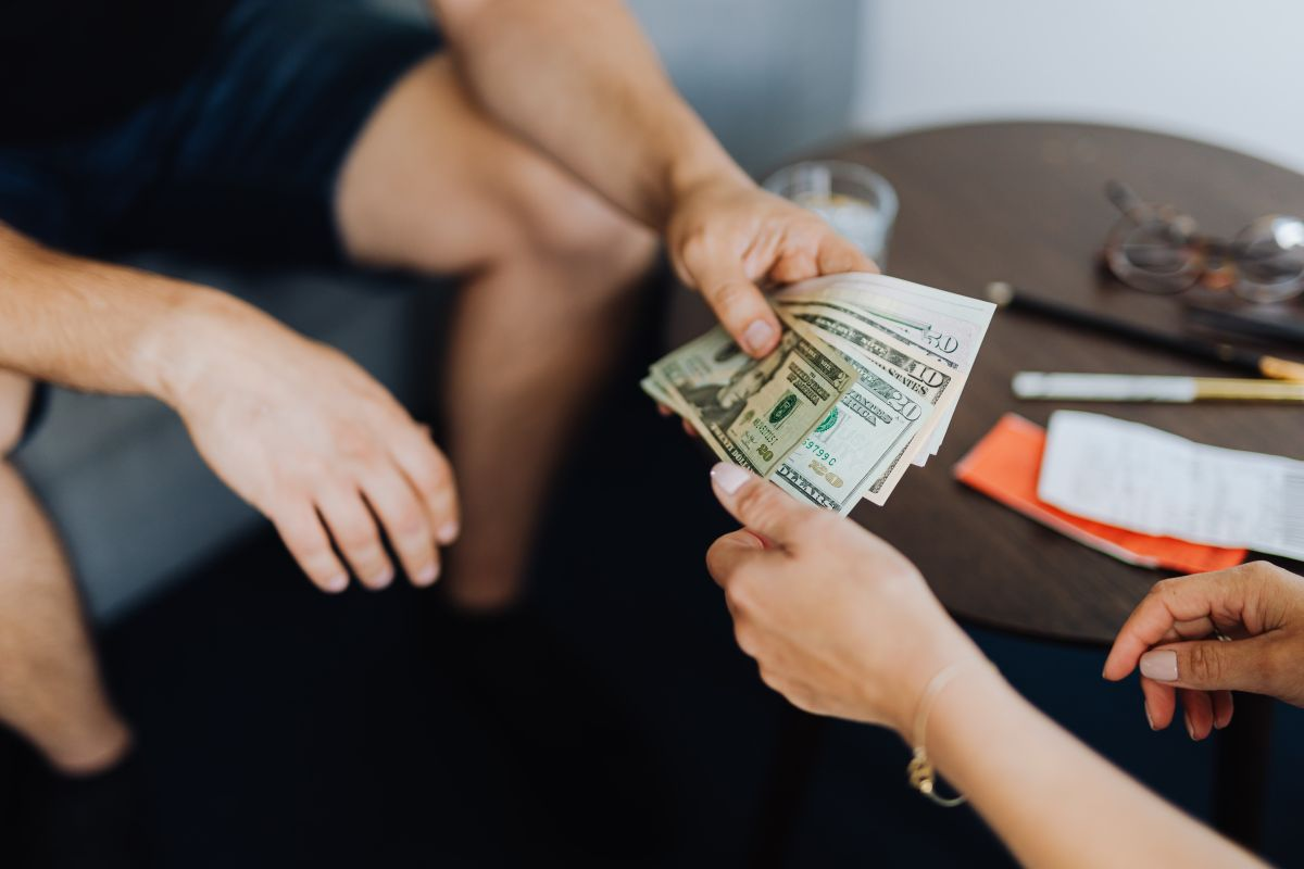 Qué es un estipendio: la forma de compensación que podría confundirse con el salario